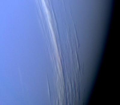 NETTUNO: strati nuvolosi nell'atmosfera alta del pianeta