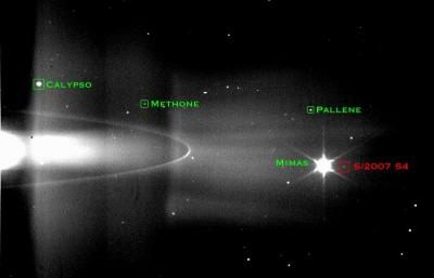 Filmati della Cassini dall'orbita di SATURNO