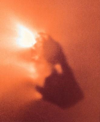 Nucleo della cometa di HALLEY fotografato dalla Giotto