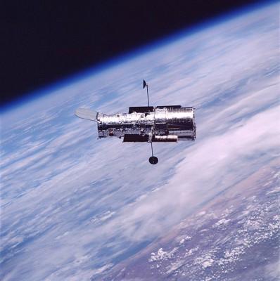 Hubble in orbita fotografato nel 2002