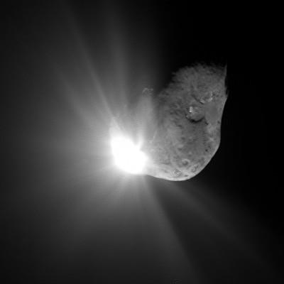 La sonda ROSETTA fotografa l'impatto della Deep Impact sulla cometa Tempel 1