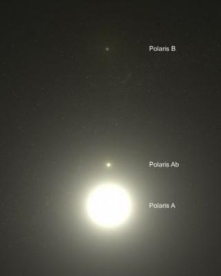 Le tre stelle che formano il sitema della Polare. Da Terra e' visibile solo la piu' luminosa