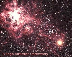 La SN 1987A nella Grande Nube di Magellano vicino alla Nebulosa della Tarantola