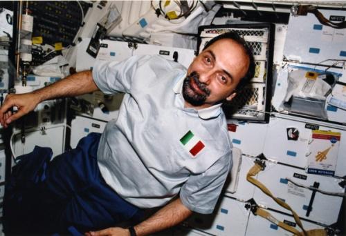 Umberto Guidoni in orbita - Copyright degli aventi diritto