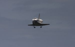 STS 133 Discovery landin 9 marzo 2011 - Credits: Stephen Clark/Spaceflight Now
