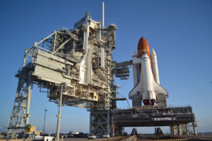 STS 134 navetta Endeavour in rampa - Credits: NASA