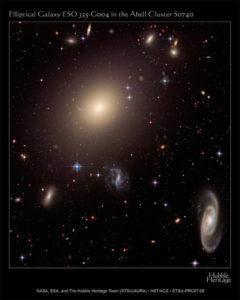 Galassia ellittica ESO 325-G004 nella Costellazione del Centauro - Credits: NASA