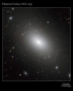 NGC 1132 Galassia ellittica nella costellazione dell'Eridano - Creditis: NASA/Hubble