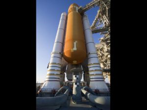 STS 134 - Space Shuttle Endeavour in rampa - Credits: NASA