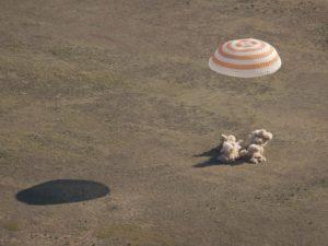 Soyuz il momento dell'atterraggio - Credits: NASA