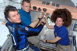 Soyuz termine missione EXP 27 - credits: NASA-ESA