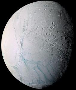 Encelado ripreso dalla Cassini (in falsi colori) - Credits: NASA/JPL