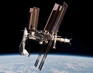 ISS e Shuttle Endeavour in una foto storica. Credits: Paolo Nespoli/NASA