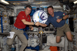 Paolo Nepsoli e Roberto Vittori a bordo della ISS - Credits: ESA/MagISStra