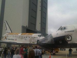 Discovery ed Endeavour naso a naso! - Credits: NASA