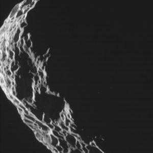 Hyperione ripreso dalla Cassini il 25 agosto 2011 - Credits: NASA/JPL/Caltech-Space Science Institute