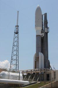 La sonda Juno racchiusa nella punta del vettore Atlas V - Credits: Stephen Clark-Spaceflight Now