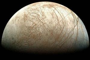 Europa in una splendida immagine della sonda Galileo - Credits: NASA