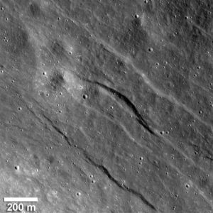 Luna: tracce di fenomeni tellurici - Credits: NASA / Goddard / Arizona State University / Smithsonian Institution