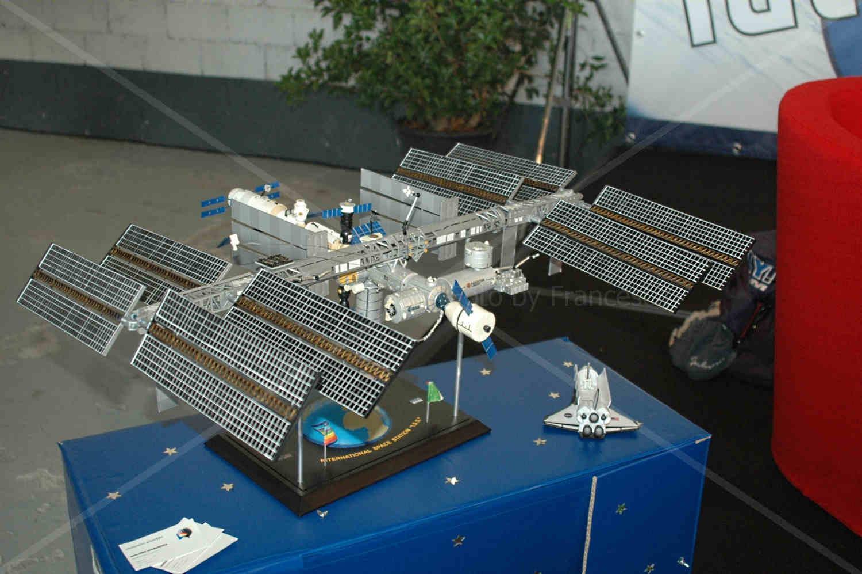 Modellino in scala della ISS creato dall'astrofilo modellista Giuseppe Cremonini