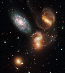 Il noto ammasso del Quintetto di galassie Stephan - Credits: NASA