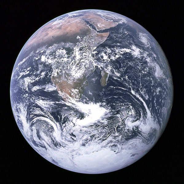 La Terra denominata la  Blue Marble in questa foto presa durante la missione APOLLO17 da Ron Evans - Credits: NASA