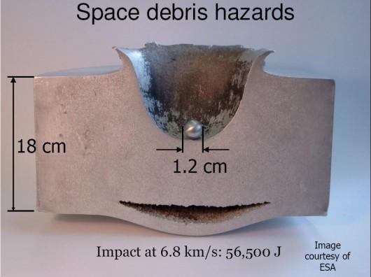 I danni di un detrito spaziale largo solo 1,2 cm - Credits: ESA