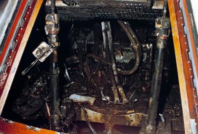 Disastro Apollo 1 - La cabina di pilotaggio così come apparve ai soccorritori subito dopo il loro intervento - Credits: NASA